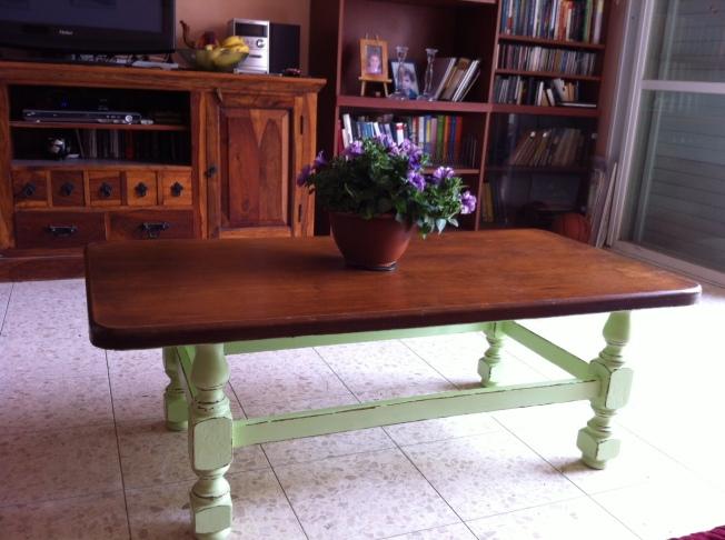שולחן פרובנסיאל אצל מיכל