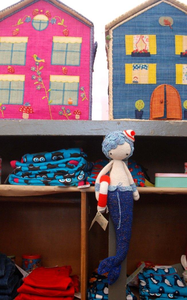 בובות סרוגות נהדרות של בת גרב + בגדי ילדים של מריונטה